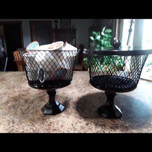 Gorgeous Set of 2 Farmhouse Baskets